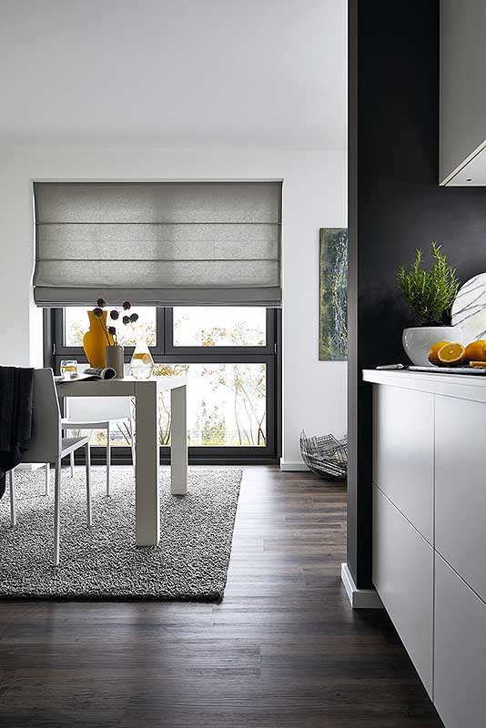 raffrollo fenster raffrollo kche schnes muster fenster verdunkeln with raffrollo fenster good. Black Bedroom Furniture Sets. Home Design Ideas